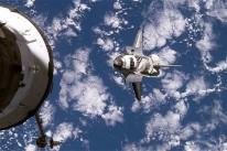 http://i.telegraph.co.uk/multimedia/archive/01855/shuttle_1855685c.jpg